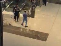 Dünyanın En Büyük Alışveriş Merkezini Su Basması (Dubai)