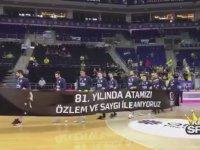 Kostas Sloukas'ın Atatürk Pankartını Tutmaması