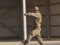 Çömez Askerin Uygun Adım Yürüyüş ile İmtihanı
