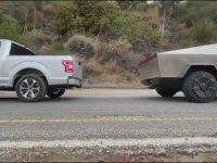 Ford F-150 ile Tesla Cybertruck'ın Kapışması