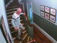 Sarhoş Karı Kocanın Merdiven ile İmtihanı