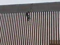 10 Metrelik Sınır Duvarını Aşan Meksikalı Göçmenler