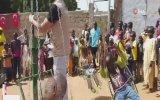 Afrikalı Çocukların Dönme Dolap Sevinci