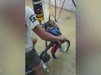 Sel Taşkınlarına Karşı Motosikletleri Modifiye Eden Gençler