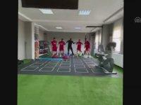 Antrenmanda Halay Çeken Sivassporlu Futbolcular