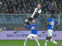 Cristiano Ronaldo'nun Havada Asılı Kalması
