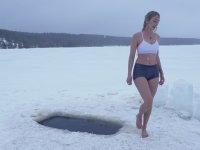 Her Sabah Buz Banyosu Yapan Hatun