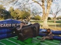 Rodeoya Binen Kızları Zıp Zıp Zıplatmak