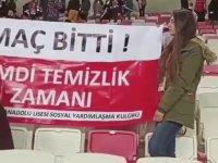 Maç Sonu Statta Temizlik Yapan Sivasspor Taraftarları
