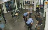 Heimlich Manevrası ile Bebeğin Hayatını Kurtaran Polis