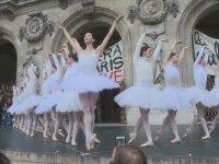 Paris Operası Balerinlerinden Protesto