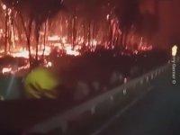 Avustralya Yangınlarının Ortasından Geçen İtfaiyeciler