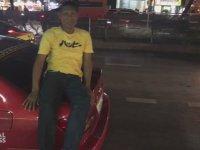 Bagajın Üstünde Şekerleme Yapan Taksici