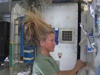 Uzayda Saç Nasıl Yıkanır?