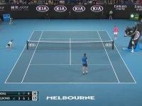 Top Toplayıcı Çocuğun Gönlünü Alan Rafael Nadal