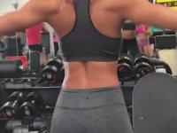 Instagram'daki Fitness Manyaklarına İlham Veren Kadın