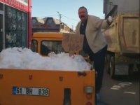 Trabzon'da Kar Satan Adam
