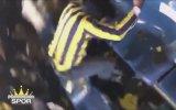 Fenerbahçe Taraftarının Sinirden Koltuğa Kafa Atması