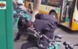 Maske Takmadıkları İçin Gözaltına Alınan Çinliler