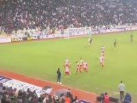 Mert Hakan Yandaş'ın Gol Sevincini Erol Bulut'un Önünde Yaşaması