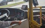 Aracına Binen Yolcuyu Kibarlığıyla Şaşırtan Otobüs Şoförü