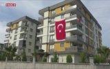 Türk Bayrağını Gören Çocuklar İstiklal Marşı'nı Okudu