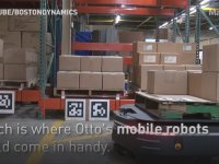 Boston Dynamics'in Depoda Yük Taşıyan Yeni Robotu