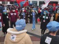 Çinli Doktorların Hastane Kapanışını Halayla Kutlaması
