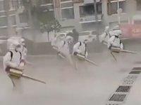 Star Wars Sahnelerini Anımsatan Corona Virüsü Dezenfekte İşlemi