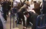 Londra'da Tuvalet Kağıdı Savaşını Görüntüleyen Türk