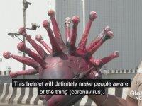 Corona Virüs Kaskıyla Sürücüleri Uyaran Hint Polisi