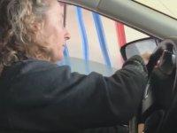 Arabası Yıkanırken Camı Kapatamayan Kadının Dramı