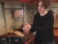 Nazan Öncel'in Ekmeği Dezenfekte Etme Yöntemi