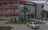 Türk Polisinden Sosyal Mesafeli Zeybek