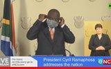 Güney Afrika Devlet Başkanı'nın Maske ile İmtihanı