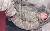 Uyuyan Askere Komutan Şakası