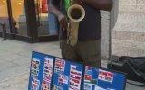 Boston'da Leylim Ley Çalan Sokak Müzisyeni
