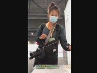 Kendi Kendine Corona Virüs Testi Yapan Gazeteci Kadın