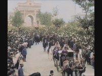 Savaş İlanından Sonra Beyazıt Meydanı (1914)
