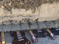 500.000$ Değerinde Yüzlerce Gitarı Dozerle Ezmek