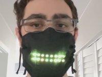 Sese Duyarlı LED Işıklı Maske Yapan Oyun Tasarımcısı