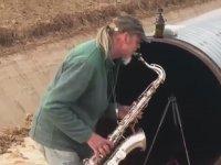 Saxofon ve Doğalgaz Borusu