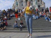 Top Cambazı Kadın Futbolcu