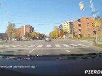 Tesla Autopilot - Kaza Tahmin Sistemi Hayat Kurtarıyor!