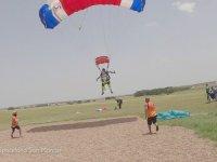 103 Yaşındaki Paraşütle Atlayış Yapmak