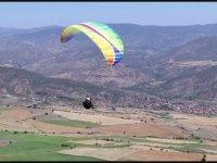Çorum'dan Konya'ya Yamaç Paraşütü ile Uçarak Giden Adam