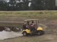 Gençlerin Golf Arabası ile İmtihanı
