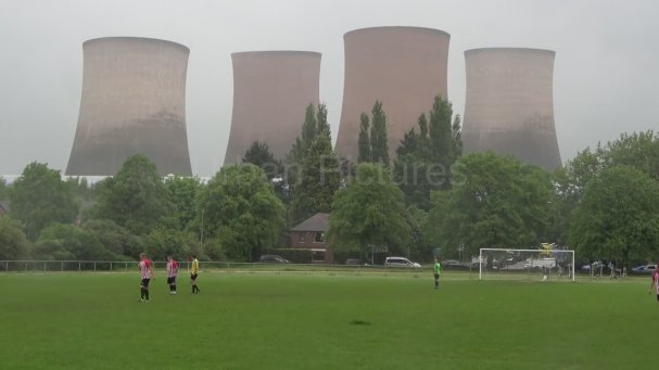 Maç Esnasında Yıkılan Dev Kuleler