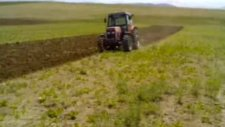 sürücüsüz tarla süren traktör !!