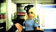 Pamela Anderson Yasak Reklam !!